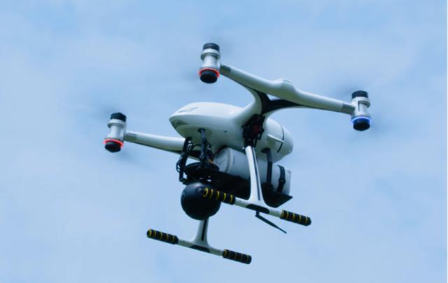 航拍无人机携带CPE起飞,实现高清视频5G网络回传