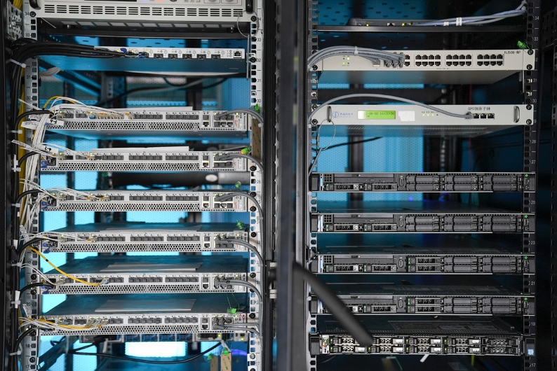 【新闻稿】OPPO通信实验室首次对外公开 联合爱立信推动通信技术演进533.png